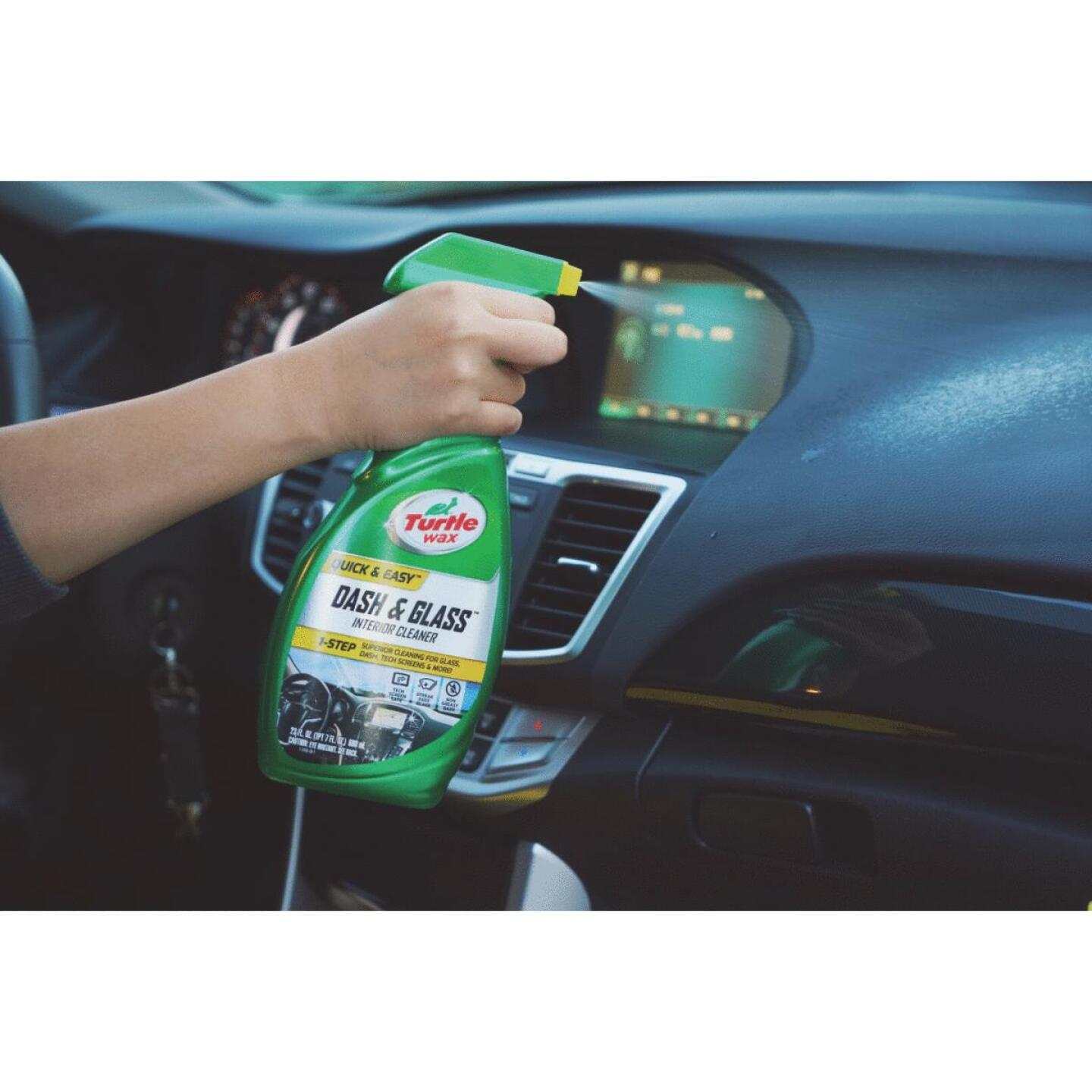 Turtle Wax Dash & Glass 23 Oz. Trigger Spray Auto Interior Cleaner Image 2